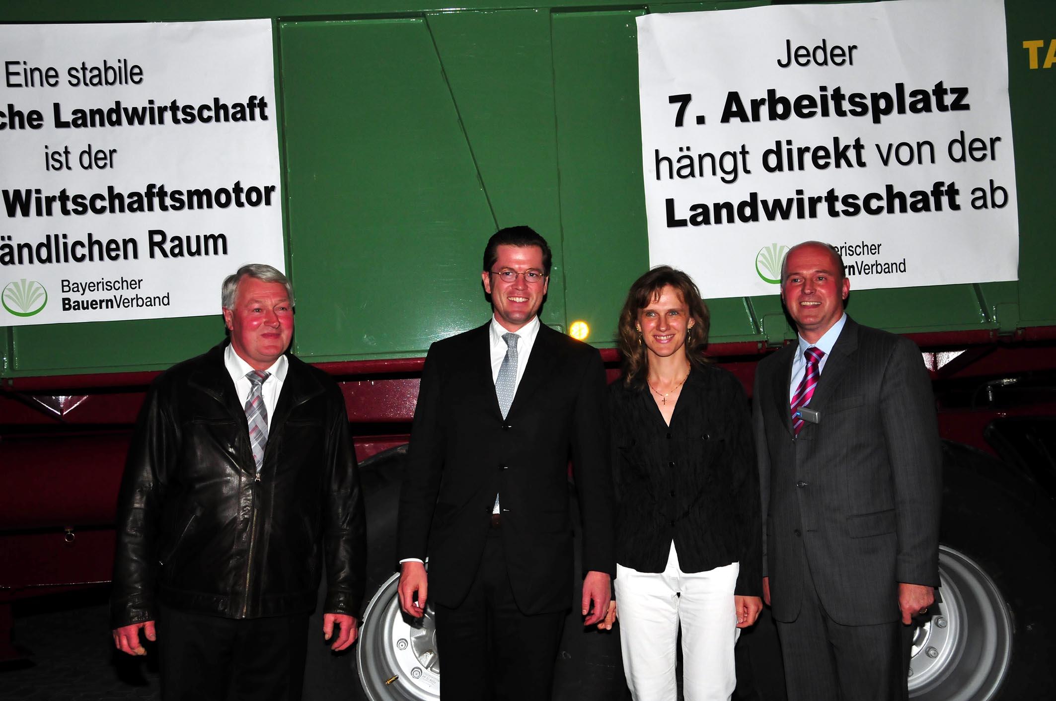 090822 Guttenberg in Lankendorf jpg. (64)
