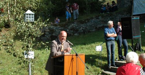 MdB Koschyk bei der Kundgebung gegen die B 303neu