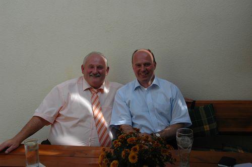 CSU-Ortsvorsitzender Manfred Herzing gemeinsam mit MdB Koschyk im Gasthof Schreyer in Plankenfels