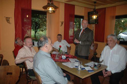 Mdb Koschyk gemeinsam mit den CSU-Ortsvorsitzenden Willi Müller, Oswin Gmelch, Willi Kirsch und markus Grüner