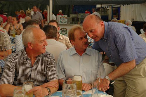 MdB Koschyk und der Landesobmann der Bayerischen Sparkassen Siegmund Schiminski, und Wolfram Münch, Vorstandsmitglied der Sparkasse Bayreuth