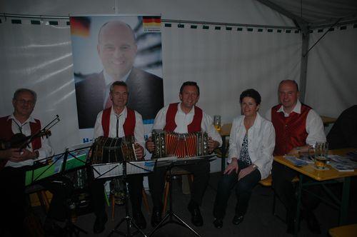 """""""Wirtshausmusik mit Wirtshauspolitik"""" in Zochenreuth"""
