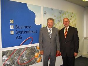 Hartmut Koschyk und Vorstandvorsitzender Willi Deppner