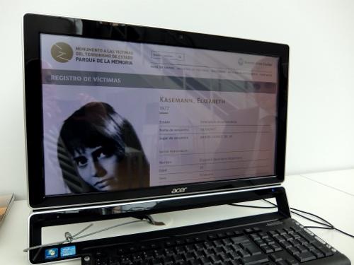 die der Deutschen Elisabeth Käsemann gewidmete Seite im digitalen Opfer-Archiv der Gedenkstätte in Buenos Aires DSCF0362 (500x375)