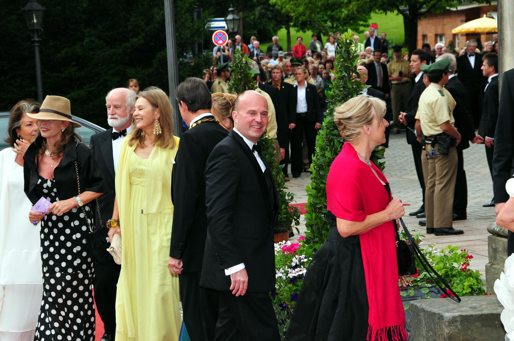 Eröffnung der Bayreuther Festspiele  Koschyk mittendrin