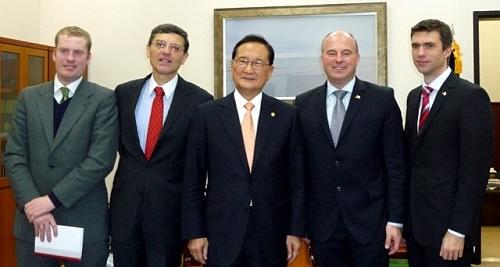 Politische Gespräche in der Hauptstadt der Republik Korea ...  Politische Gesp...